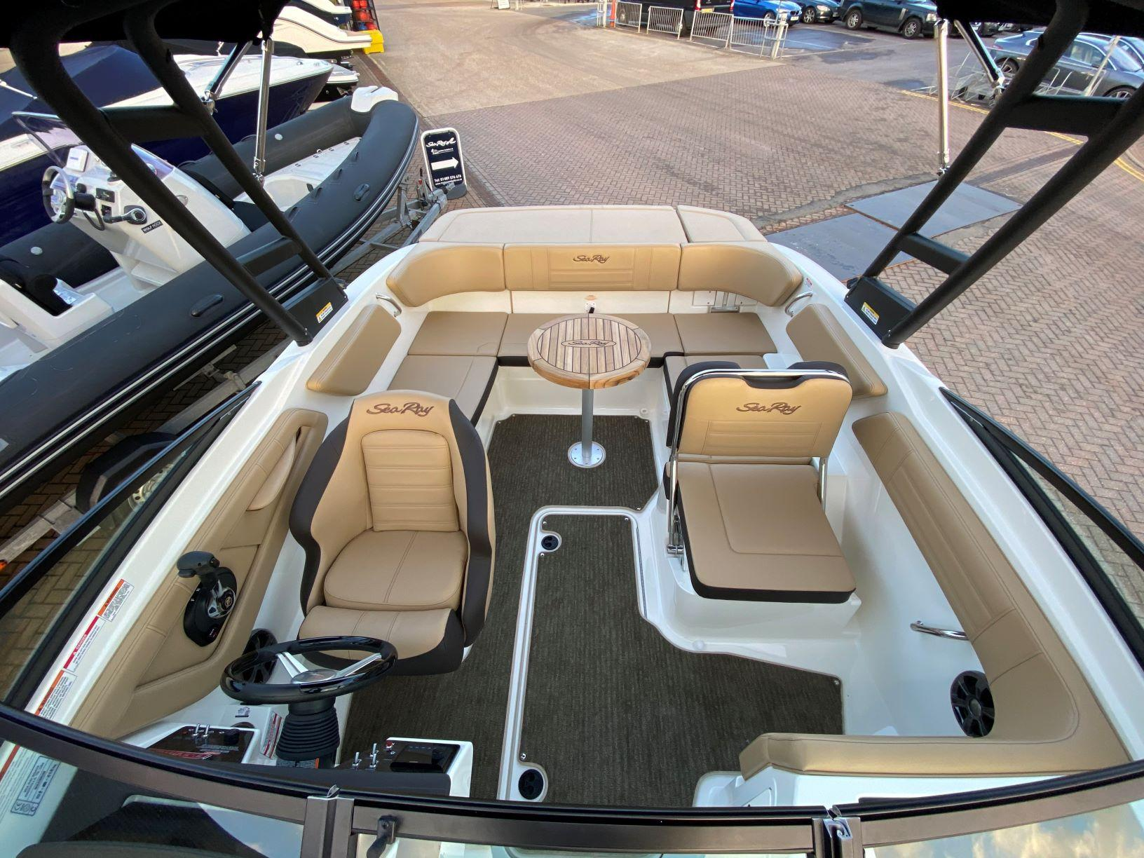 SeaRay_210_SPXE_WakeEdition_4